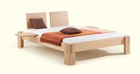 massivholzbett in arve oder buche in komforth he 50 cm bett in sitzh he. Black Bedroom Furniture Sets. Home Design Ideas